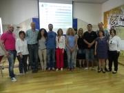Teresa Martorell, amb els tècnics que han impartit el curs a les noves famílies NIU