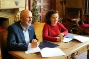 Ensenyat i Santiago han firmat avui els convenis de traspàs